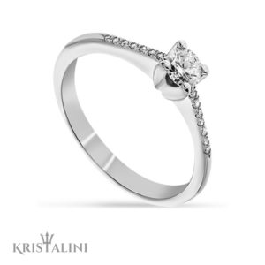 Classic Solitaire Diamond Engagement Ring 4 prongs set with Diamonds on each side