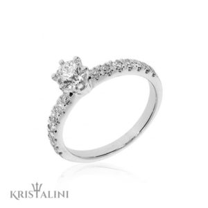 Classic Solitaire Diamond Engagement Ring 6 prongs set with Diamonds on the sides