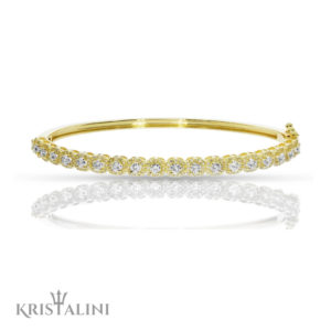 Luxurious Elegant Diamond Bracelet halo surrounding center Diamonds